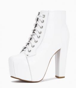 Lita all white