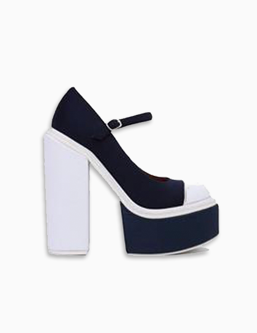 Top Model   That Chic Shoe